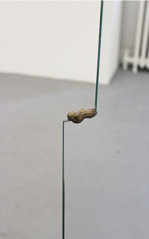 <b>Title:</b>Spells (detail)<br /><b>Year:</b>2012<br /><b>Medium:</b>Glass and bronze<br /><b>Size:</b>140 x 53 x 15 cm