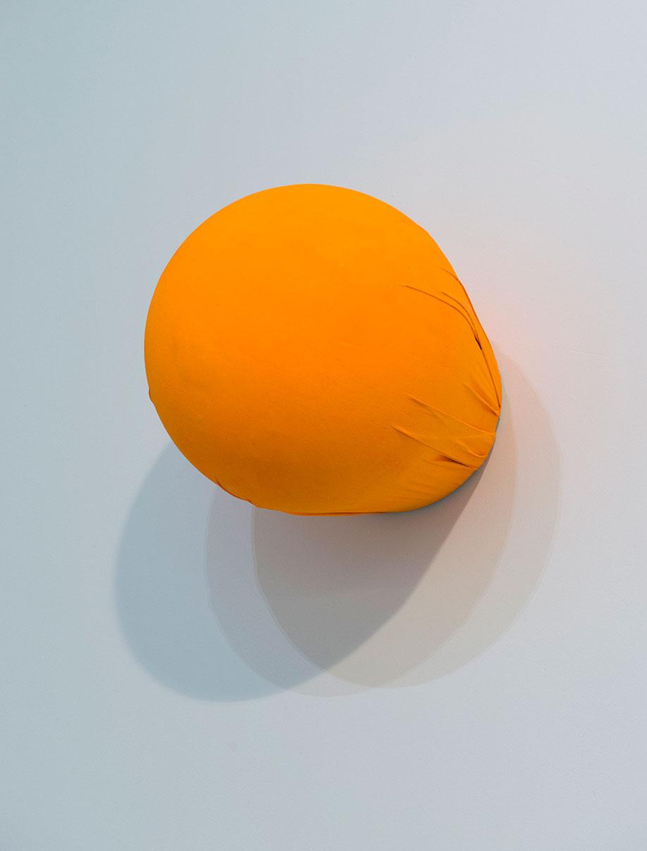 <b>Title:&nbsp;</b>Bulbous (Fluor Golden)<br /><b>Year:&nbsp;</b>2015<br /><b>Medium:&nbsp;</b>Pigment on canvas<br /><b>Size:&nbsp;</b>30 x 35 x 30 cm