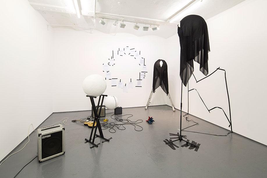 <b>Title:&nbsp;</b>Orbit my OO my<br /><b>Year:&nbsp;</b>2015<br /><b>Medium:&nbsp;</b>Performed by Desmond Byrne, Katye Coe, Rosalie Walhfrid, Florence Peake<br /><b>Size:&nbsp;</b>Dimensions variable