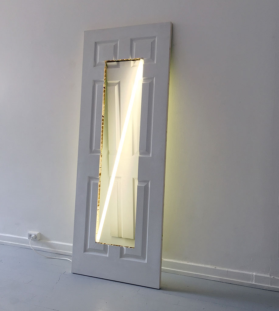 <b>Title:&nbsp;</b>SD13<br /><b>Year:&nbsp;</b>2016<br /><b>Medium:&nbsp;</b>Hollow core door, paint, fluorescent light, cables and power supply<br /><b>Size:&nbsp;</b>76 x 198 x 14 cm