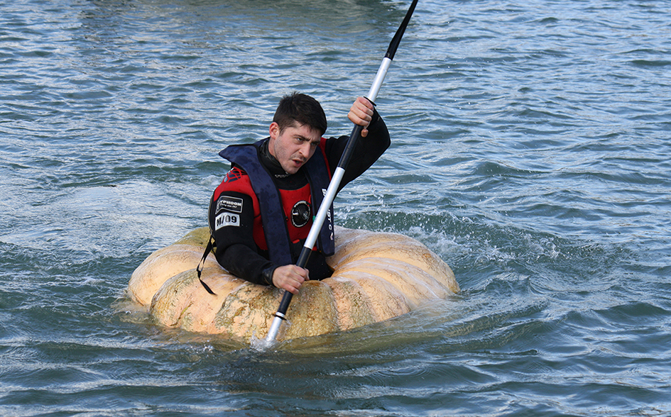 <b>Title:&nbsp;</b>The Load of a Man is His Coracle<br /><b>Year:&nbsp;</b>2014<br /><b>Medium:&nbsp;</b>Performance and HD Video<br />