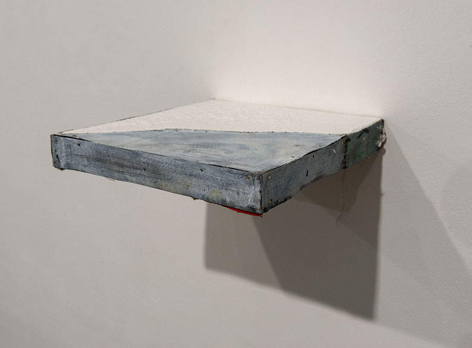 <b>Title: </b>Untitled<br /><b>Year: </b>2014<br /><b>Medium: </b>Oil and gloss on linen and paper, wood, nails and staples<br /><b>Size: </b>3 x 26 x 27 cm