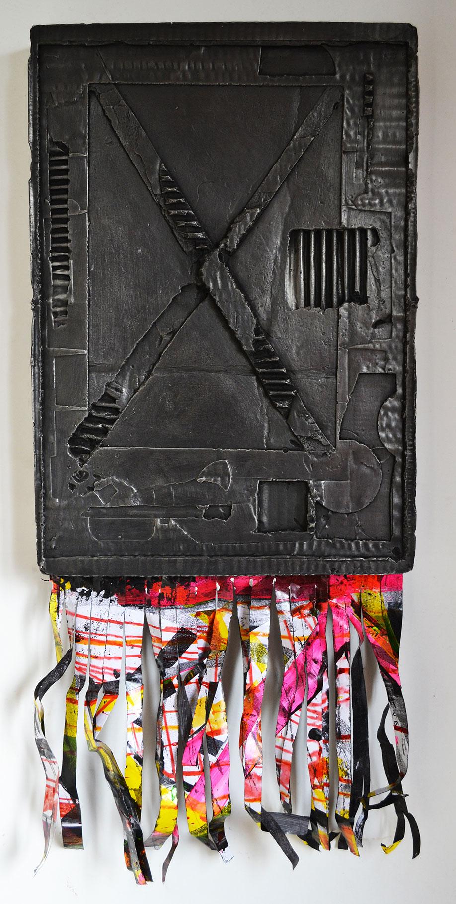 <b>Title:</b>The Minutemen<br /><b>Year:</b>2013<br /><b>Medium:</b>Plaster of Paris, grate polish, spray paint, paper<br /><b>Size:</b>73 x 32 cm