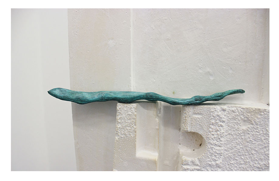 <b>Title: </b>Totem (detail)<br /><b>Year: </b>2013<br /><b>Medium: </b>Plaster and patinated bronze<br /><b>Size: </b>35 x 120 x 35 cm