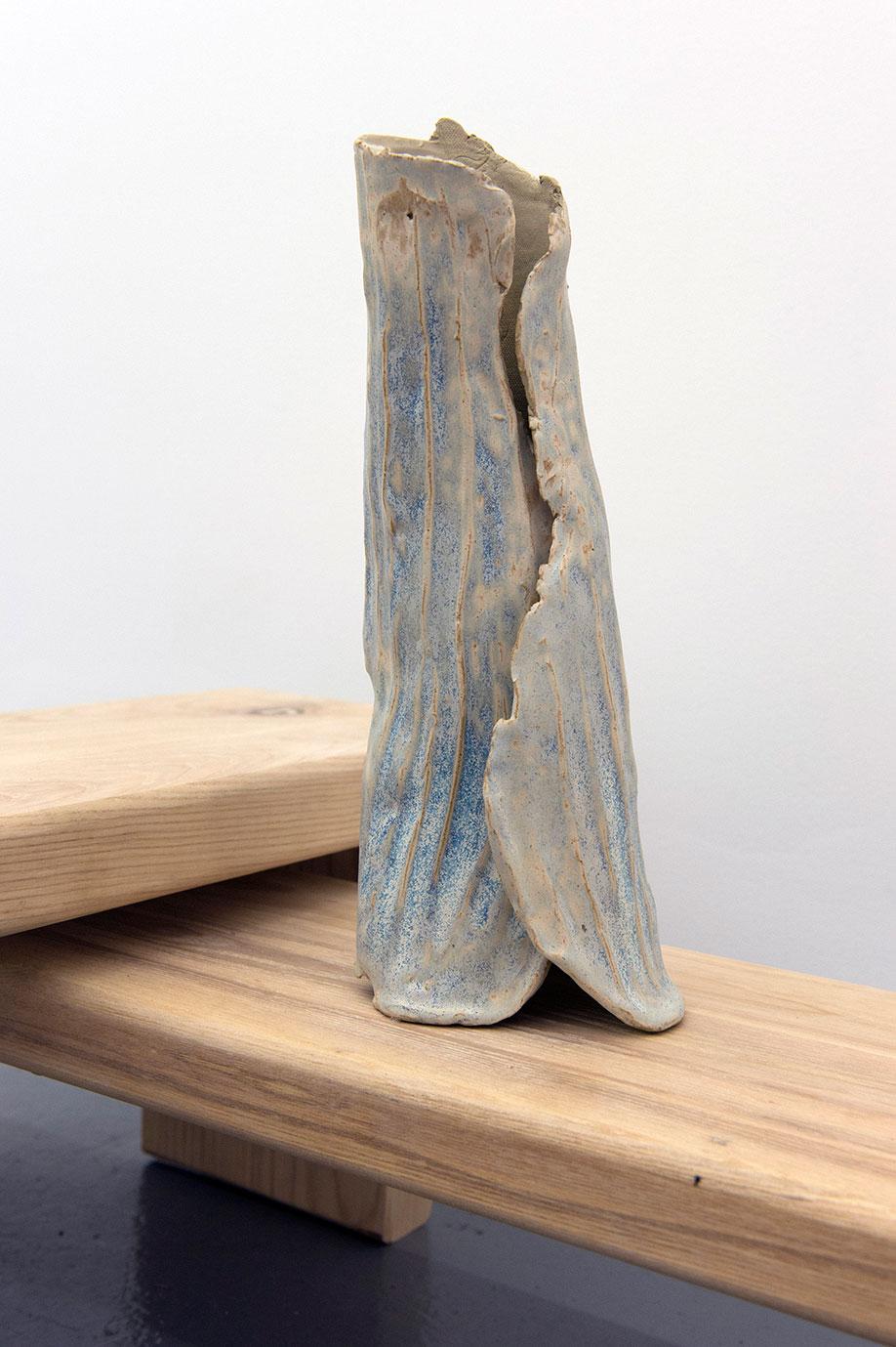 <b>Title:</b>Leg Retainer (Onus)<br /><b>Year:</b>2015<br /><b>Medium:</b>Ceramic<br /><b>Size:</b>32 x 13 x 12 cm