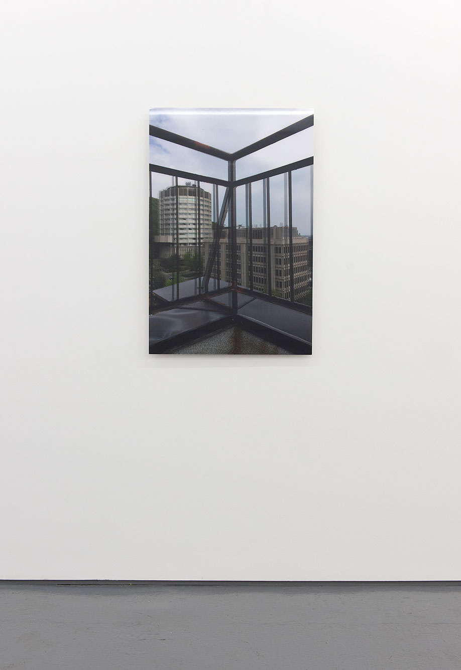 <b>Title: </b>Displaced rectangles in a hybrid, residual vertical (or standing at the edge and seeing double)<br /><b>Year: </b>2016<br /><b>Medium: </b>Lenticular print on aluminium<br /><b>Size: </b>91 x 61 cm