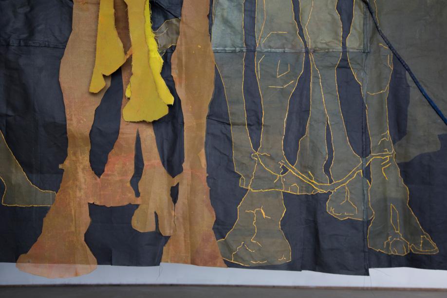 <b>Title:</b>Souq Ibn Khaldoun<br /><b>Year:</b>2019<br /><b>Medium:</b>Fabric dye, Acrylic and hand-embroidery on canvas, steel<br />